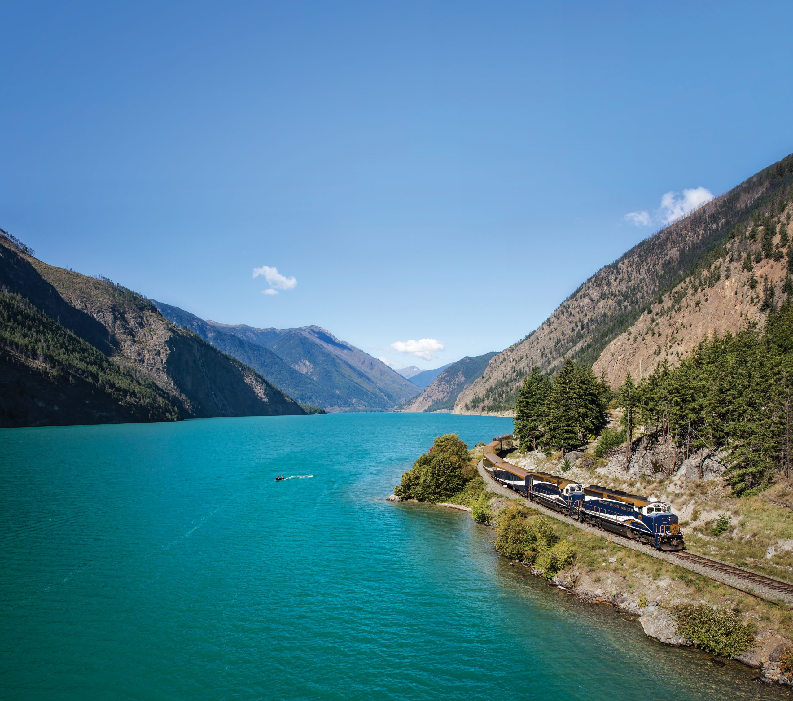 Rocky-Mountaineer-Canada-Rocky-Mountains
