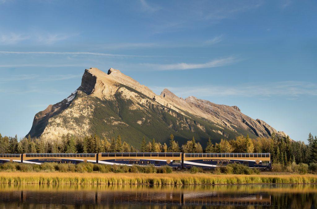 Canada-Rocky-Mountaineer-train